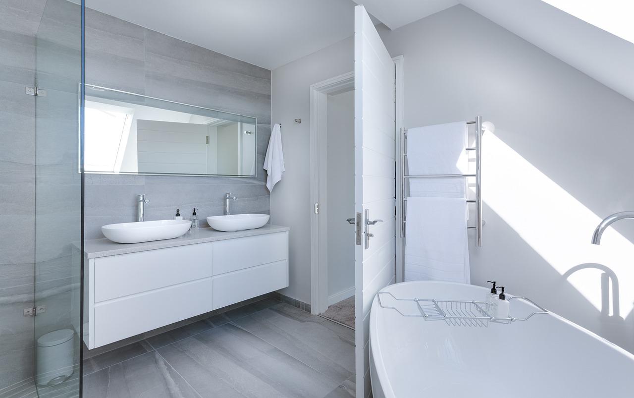 Ristrutturare il bagno_ consigli utili