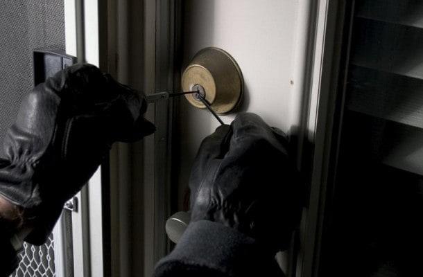 facebook e i furti in casa