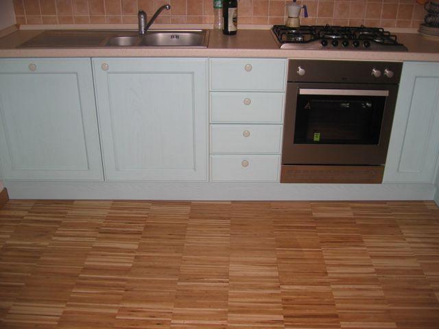 Parquet in bagno e in cucina pregi e difetti - Parquet in bagno e cucina ...
