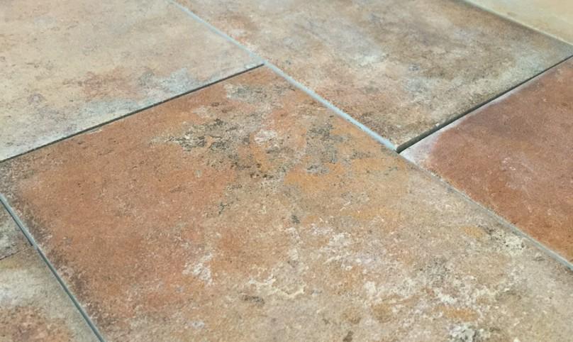 Pavimenti per esterni in pvc con effetto pietra costi e vantaggi - Piastrelle per terrazzi esterni ...
