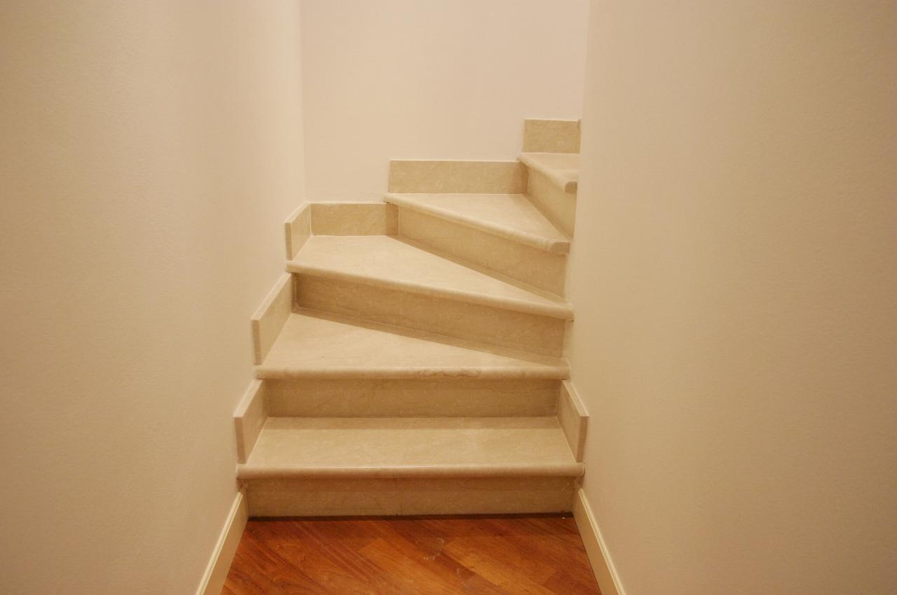 scale in marmo pro e contro
