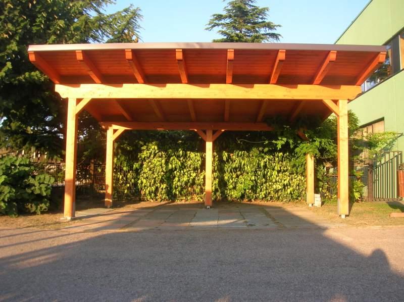 Costruire una tettoia in legno fai da te for Costruire una tettoia addossata